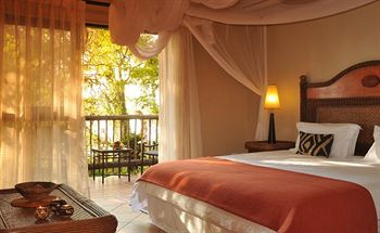 4 star  Chobe Marina Lodge - Botswana - 3 Nights