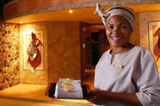 5 star  Amakhosi Safari Lodge - Near Pongola (2 Nights)