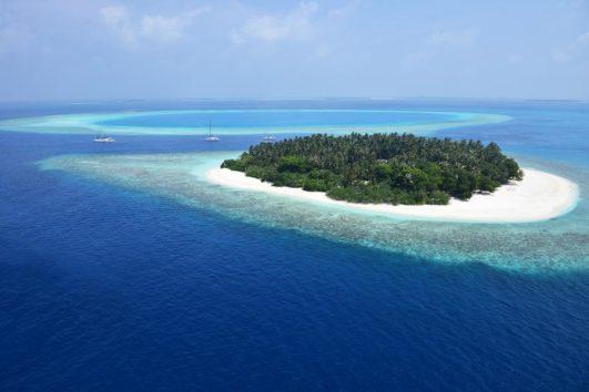 4 star  Malahini Kuda Bandos -(Special Offer) Maldives 7 Nights