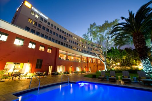 3 star  Sunsquare Cape Town Gardens - (2 Nights)